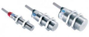 Czujniki zbliżeniowe z metalową powierzchnią czołową